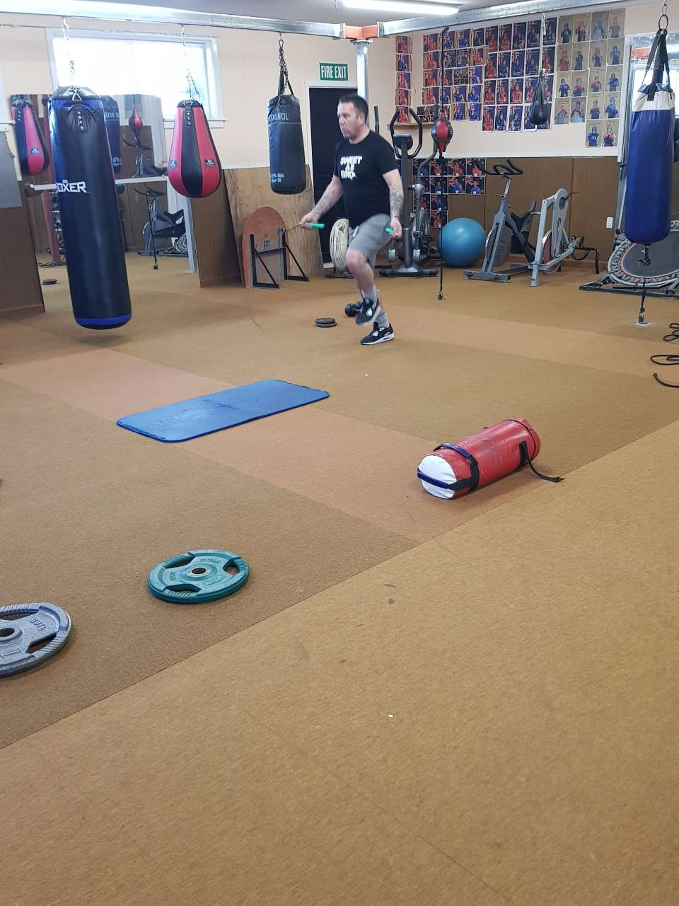 On Wednesday I took Shane through his first circuit workout. Circuits are amazing as they help improve not only your strength but also cardio as well. Kai pai Shane! #session8