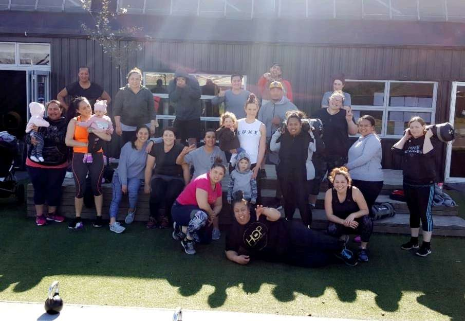 Awesome turnout this morning whanau. A few gapped it before we took our pic but we had a massive crew. Tumeke. Friday Gains#SHY